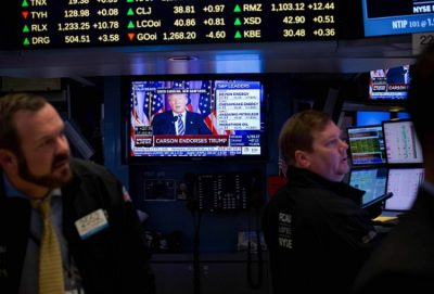 Unimpressive Forecasts Halts Rally on Wall Street